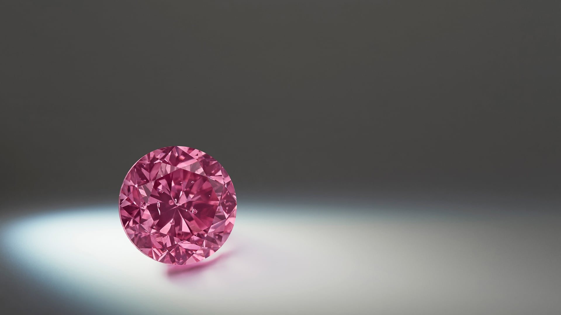 Buying an engagement ring? Choose a pink diamond!